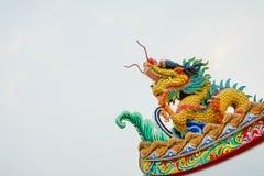Färgrik konkret kines Dragon Statue Royaltyfri Foto