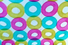 Färgrik livboj, dekorerat som hänger i luften, på den Maharaj jämliket Fotografering för Bildbyråer