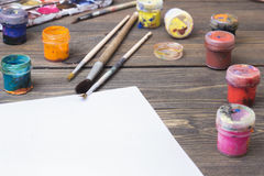Färgrik målarfärg, gouache, vattenfärg Arkivbild