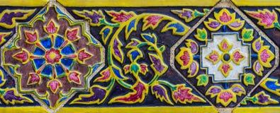 Färgrik målning i watphrakaew Arkivbild
