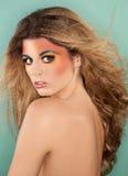 färgrik makeupkvinna Arkivbild