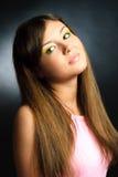 färgrik makeupmodell för brunett Arkivfoton