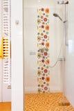 Färgrik modern dusch Royaltyfria Foton