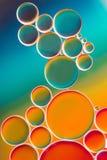 Färgrik olja bubblar i vatten Royaltyfria Foton