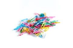 färgrik paperclipsstapel Royaltyfria Foton
