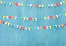 Färgrik pappers- bunting royaltyfria foton
