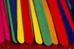 Färgrik pinnebakgrund arkivfoto