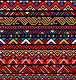 Färgrik röd etnisk geometrisk randig aztec sömlös modell, vektor Arkivbild