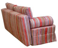 Färgrik randig soffa på en vit bakgrund Band av torkduken av rött, rosa, choklad och violetta färger inkludera arkivbilder