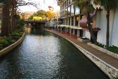Färgrik sikt av Sanen Antonio Riverwalk Royaltyfria Bilder