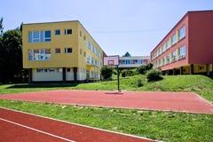 Färgrik skolabyggnad Royaltyfri Foto