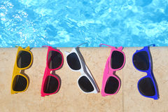 färgrik solglasögon arkivfoto