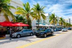 Färgrik sommardag på havdrev i södra strand, Miami arkivbild