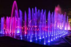 färgrik springbrunn royaltyfria bilder
