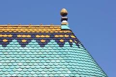 Färgrik takdetalj mot blå himmel Fotografering för Bildbyråer