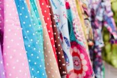 Färgrik textil i ett lager Royaltyfria Foton