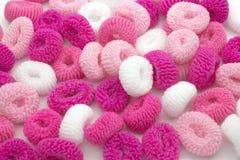 Färgrik tillbehör för hår för rosa färgmode flickaktigt Tonåringhårband Liten flicka kvinnlig modestil för girlie Arkivfoto