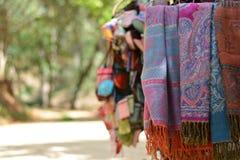 Färgrik torkduk i Dalat, Vietnam Arkivbilder