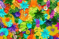 Färgrik tropisk bakgrund för pappers- blomma mångfärgade blommor och sidor som göras av papper fotografering för bildbyråer
