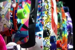 Färgrik vägg av skateboarden Arkivfoton