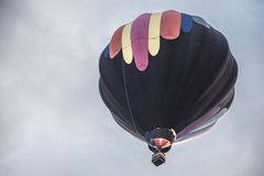 färgrik varm sky för luftballong Arkivbilder