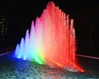 färgrik watershow i peruan parkerar den lima staden royaltyfria bilder