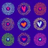 Färgrika abstrakta bakgrundshjärtor i runda ljusa ramar också vektor för coreldrawillustration royaltyfri illustrationer