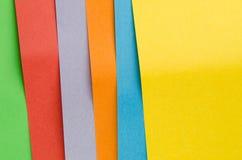 Färgrika ark av färgpapper, abstrakt bakgrund Royaltyfria Bilder
