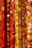 Färgrika bärnstensfärgade halsband Arkivbild