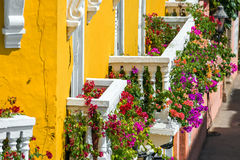 Färgrika balkonger royaltyfria foton