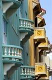 färgrika balkonger arkivbilder