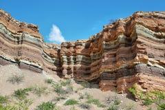 Färgrika berg av Quebrada de las Conchas, Argentina Royaltyfri Bild