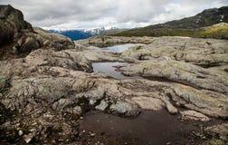Färgrika bergplatser i Norge Härligt landskap av Norge, Skandinavien Norge berglandskap Arkivfoto