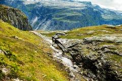 Färgrika bergplatser i Norge Härligt landskap av Norge, Skandinavien Norge berglandskap Arkivbilder