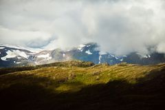 Färgrika bergplatser i Norge Härligt landskap av Norge, Skandinavien Norge berglandskap Royaltyfri Bild