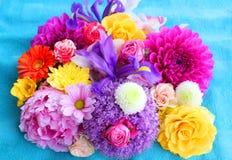 färgrika blommor för bakgrund Fotografering för Bildbyråer