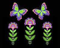 Färgrika blommor och fjärilar på svart bakgrund stock illustrationer