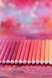 Färgrika blyertspennacrayons Royaltyfria Foton
