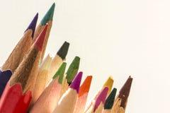 Färgrika blyertspennaspetsar Arkivbild