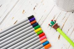 Färgrika blyertspennor för att dra Blyertspennor för konst Arkivfoton