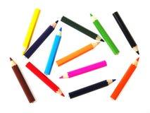 Färgrika blyertspennor som isoleras på vit bakgrund Royaltyfri Foto
