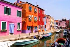 Färgrika Burano, Italien Royaltyfria Foton
