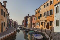 Färgrika Burano, Venedig, Italien Arkivbilder