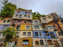 Färgrika byggande Wien Arkivbild