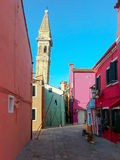 färgrika byggnader av ön Burano Venedig Italien Arkivfoton