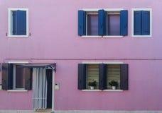 färgrika byggnader av ön Burano Venedig Italien Royaltyfri Fotografi
