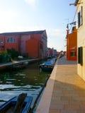 färgrika byggnader av ön Burano Venedig Italien Royaltyfria Foton