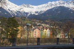 Färgrika byggnader av Innsbruck Royaltyfria Bilder
