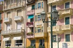 Färgrika byggnader av Santa Margarita, den italienska Rivieraen, på medelhavet, Italien, Europa Arkivbild