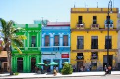 Färgrika byggnader i Havana Royaltyfria Bilder